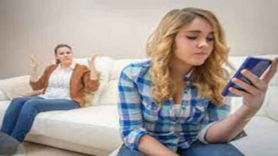 What are the symptoms of depression in adolescents
